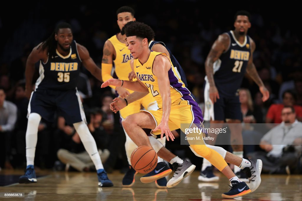 Denver Nuggets v Los Angeles Lakers : News Photo
