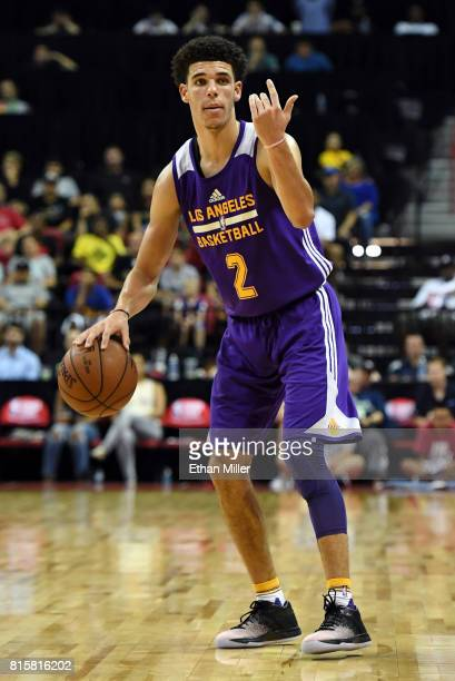 Lonzo Ball of the Los Angeles Lakers sets up a play against the Dallas Mavericks during a semifinal game of the 2017 Summer League at the Thomas Mack...