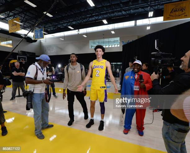 Lonzo Ball of the Los Angeles Lakers surrounded by cameras as he enters during media day September 25 in El Segundo California NOTE TO USER User...