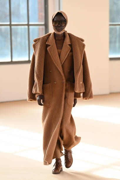 ITA: Max Mara - Runway - Milan Fashion Week Fall/Winter 2021-2022