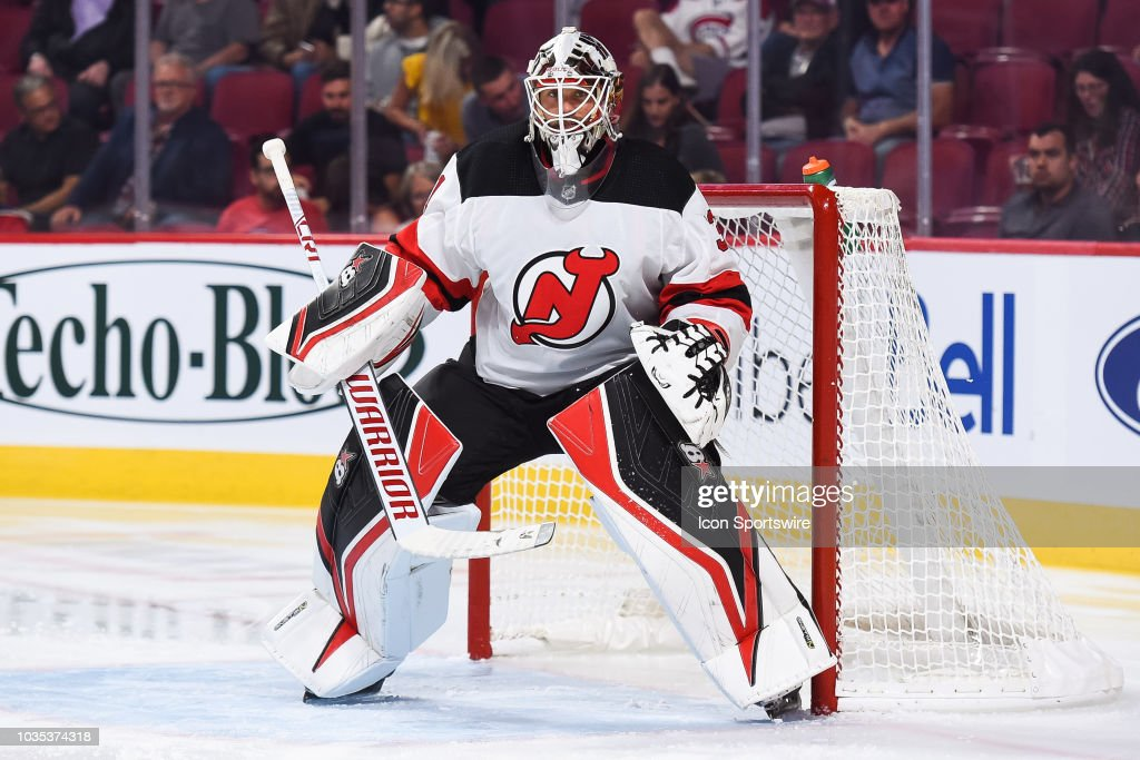 Look on New Jersey Devils goalie Eddie Lack during the New