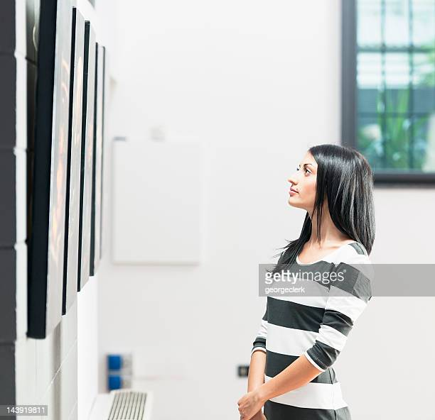 Looking at Gallery Pictures