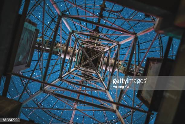 looking at starry sky from below a radio telescope antenna - telecommunications equipment stock pictures, royalty-free photos & images
