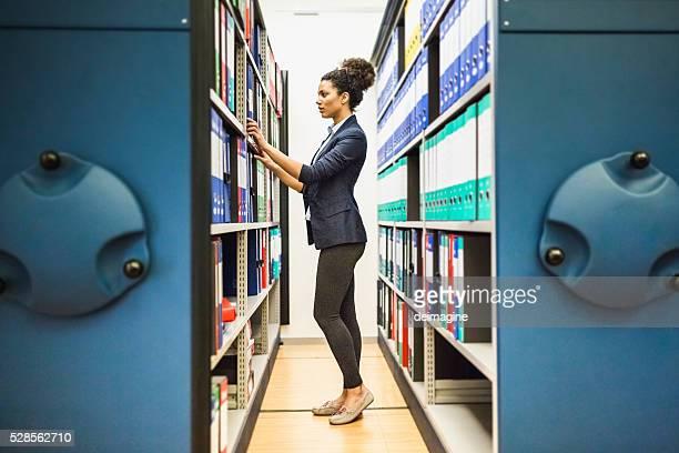 Suchen Sie Dokumente in Papierform archive