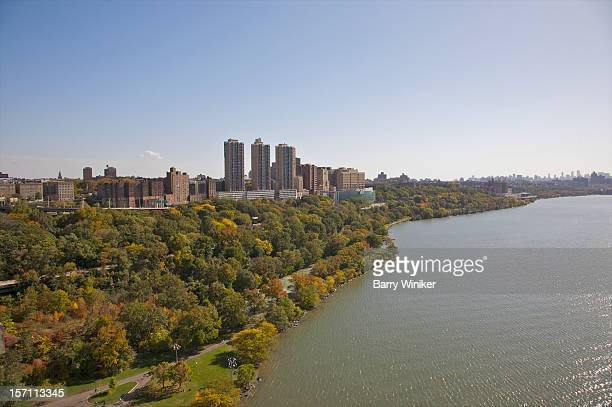 looking down at river and trees in autumn. - columbia university stock pictures, royalty-free photos & images