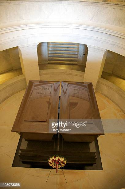 looking down at ulysses and julia grant's caskets in grant's tomb, upper west side, new york, ny, u.s.a. - julia dent grant stock pictures, royalty-free photos & images