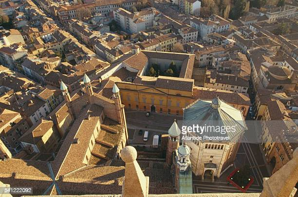 looking down on duomo, baptistery and town - cremona foto e immagini stock