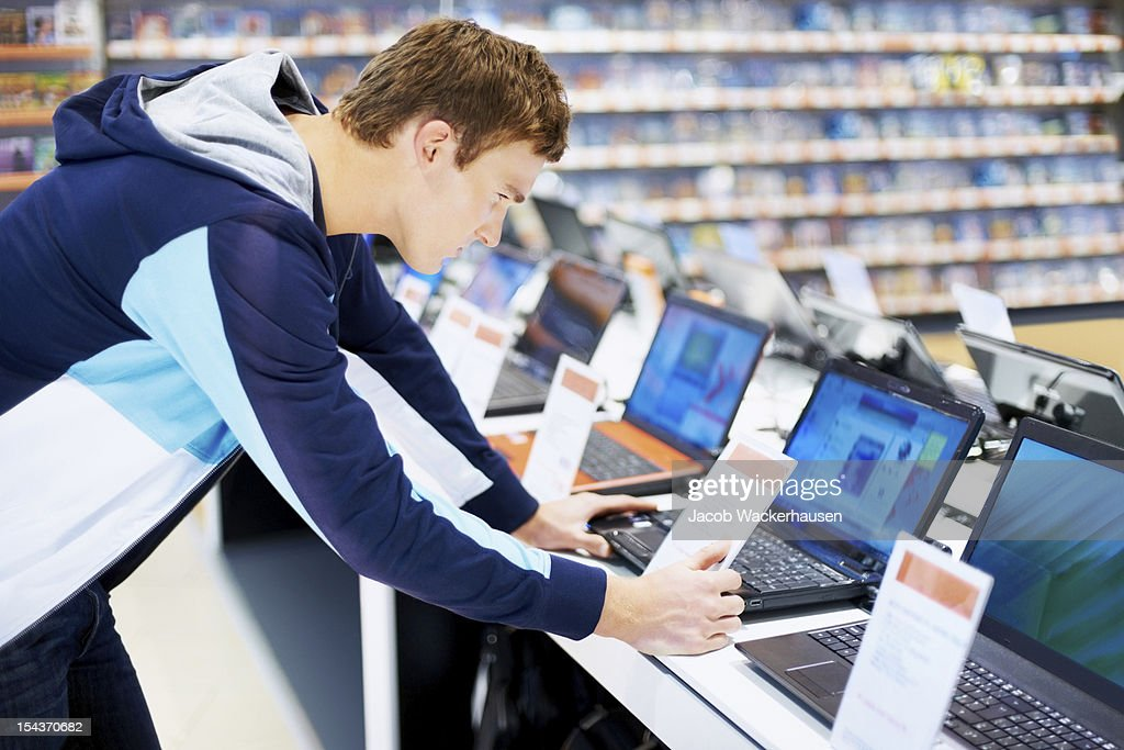 Looking for a good deal : Stock Photo