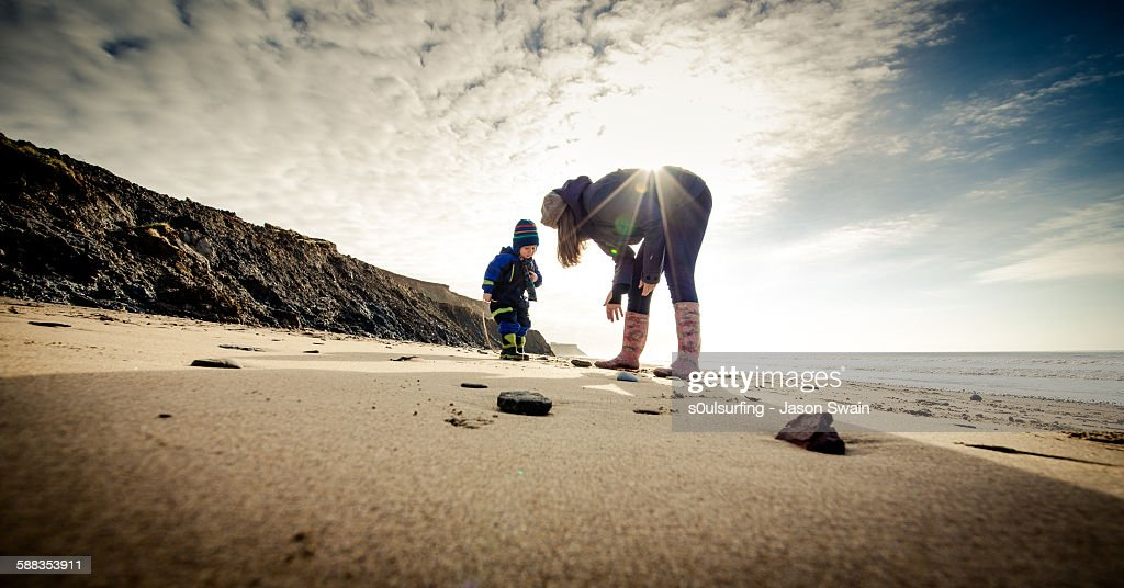 Looking for the Isle of Wight Dinosaurs! : Stock Photo