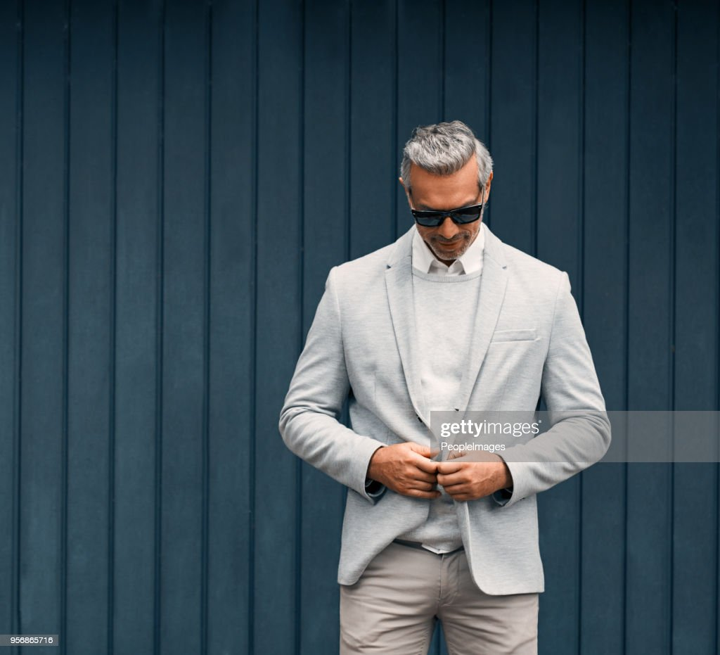 Looking suave and sophisticated : Stock Photo
