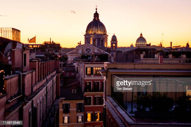 looking towards the dome of basilica san carlo al corso in rome - piazza san carlo stock pictures, royalty-free photos & images