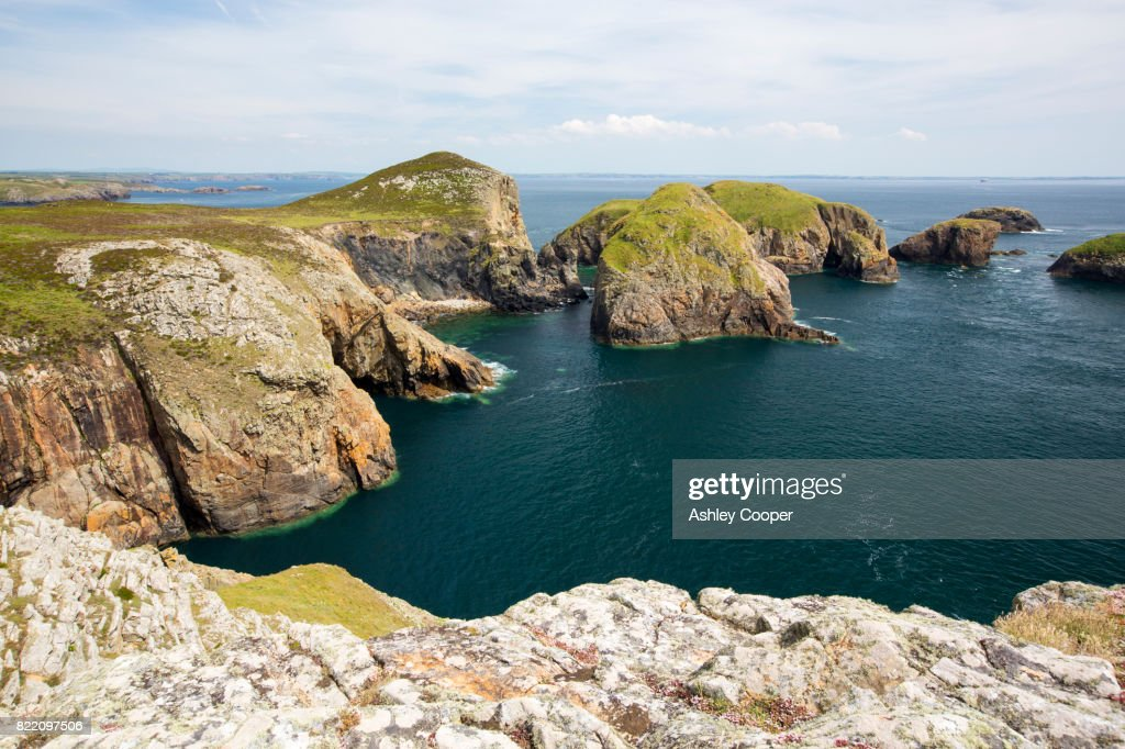 Looking towards Yns Bery off the southern tip of Ramsey Island, Pembrokeshire, Wales, UK. : Stock Photo