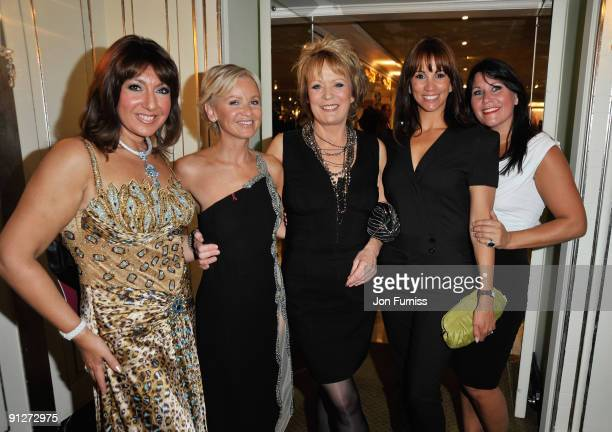 Loose Women Jane McDonald Lisa Maxwell Sherrie Hewson Andrea McLean and Zoe Tyler attend the TV Quick TV Choice Awards at The Dorchester on September...