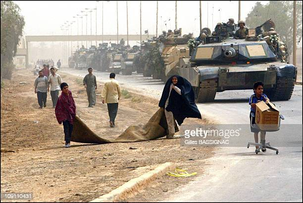 Operation Iraqi Freedom Day 21 Looting On The Streets Of Baghdad On April 9 2003 In Baghdad Iraq Looting On The Streets Of Baghdad As The Us Marine...