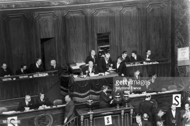Léopold Sédar Senghor lors du congrès de Versailles pour l'élection du président de la république au château de Versailles à Versailles en France, le...
