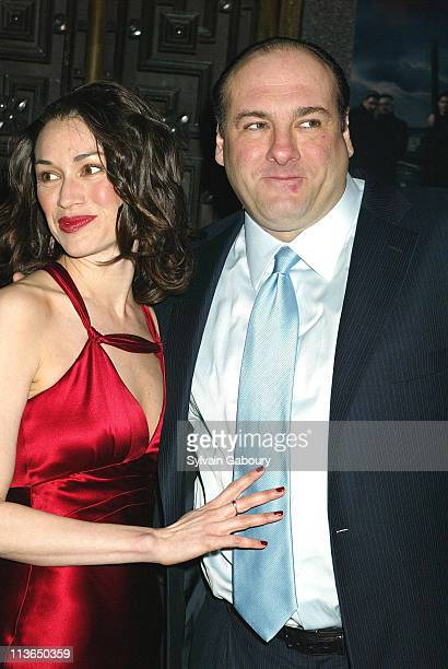Lora Somoza James Gandolfini during HBO Premiere of 'The Sopranos' Season 5 at Radio City Music Hall in New York New York United States