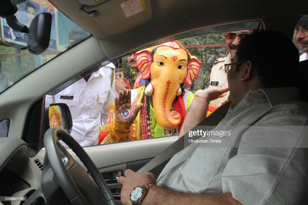 Lord Ganesha Urges The Commuters To Follow The Traffic Safety Rules