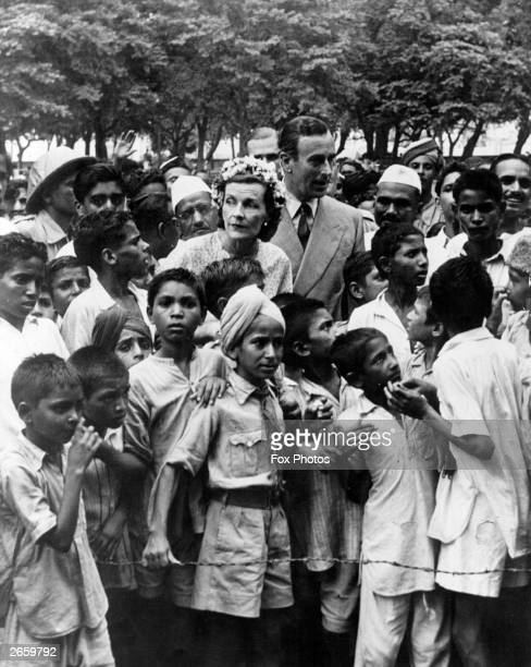 Lord Louis Mountbatten and Lady Edwina Mountbatten surrounded by children in New Delhi at the time of Independence