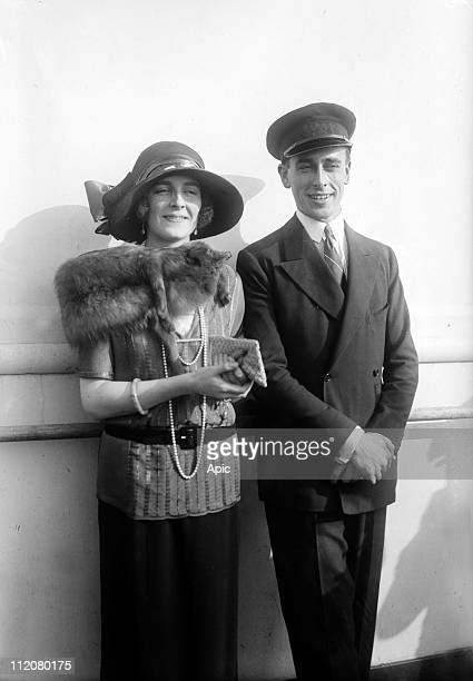 Lord Louis Mountbatten kingGeorge's cousin with his fiancee Edwina Ashley on liner Majestic arriving in New York april 10 1922