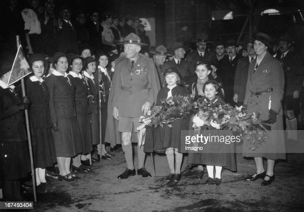 Lord Robert BadenPowell and his wife on their arrival in Paris 1936 Photograph Lord Robert BadenPowell und seine Frau bei ihrer Ankunft in Paris 1936...