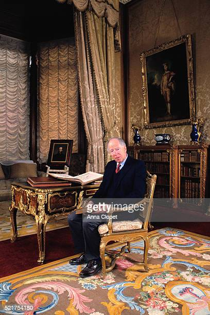lord rothschild at home at waddesdon manor - philanthropist stock pictures, royalty-free photos & images
