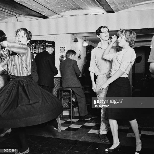 Lord Valentine Thynne dancing with Penny Allsop at a party in Chelsea London September 1959 Photo by Ray Moreton/Keystone Features/Hulton...