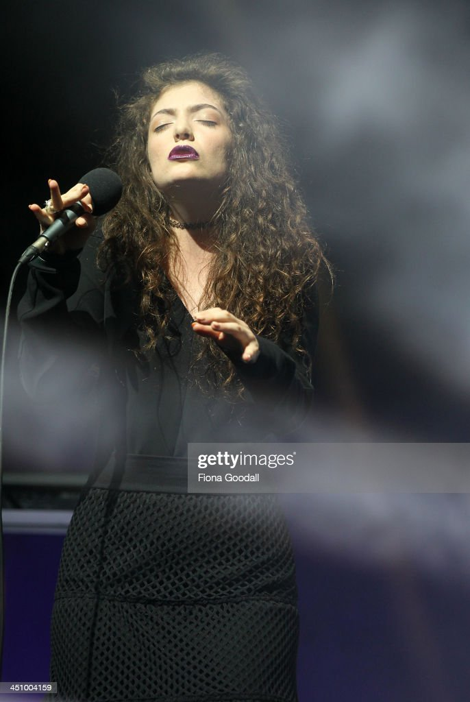 Lorde aka. Ella Yelich-O'Connor performs on stage during the New Zealand Music Awards at Vector Arena on November 21, 2013 in Auckland, New Zealand.