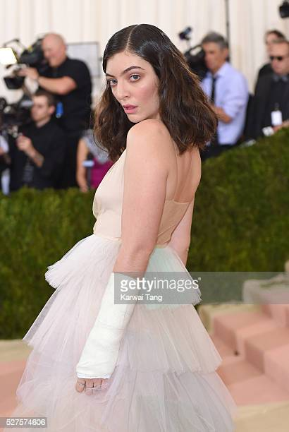 Lorde arrives for the Manus x Machina Fashion In An Age Of Technology Costume Institute Gala at Metropolitan Museum of Art on May 2 2016 in New York...