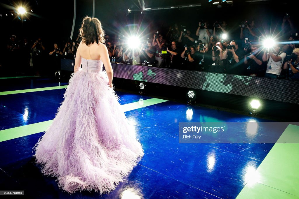 Lorde attends the 2017 MTV Video Music Awards at The Forum on August 27, 2017 in Inglewood, California.