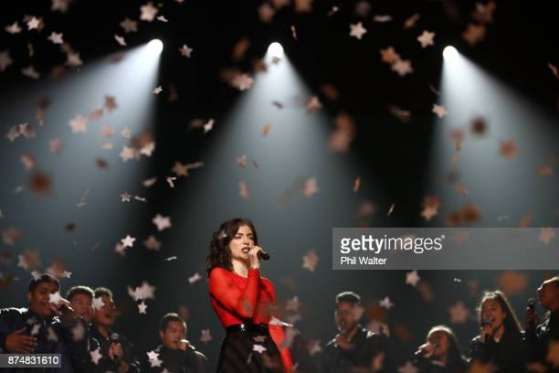 Lorde performs at the 2017 Vodafone New Zealand Music Awards on November 16 2017 in Auckland New Zealand