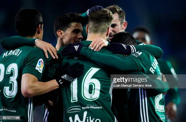 Loren Moron of Real Betis Balompie celebrates after scoring a goal during the La Liga match between Deportivo Alaves and Real Betis Balompie at...