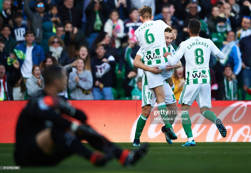 Loren Moron of Real Betis Balompie celebrates after scoring the second goal for Real Betis Balompie during the La Liga match between Real Betis and Villarreal at Estadio Benito Villamarin on February 3, 2018 in Seville, .