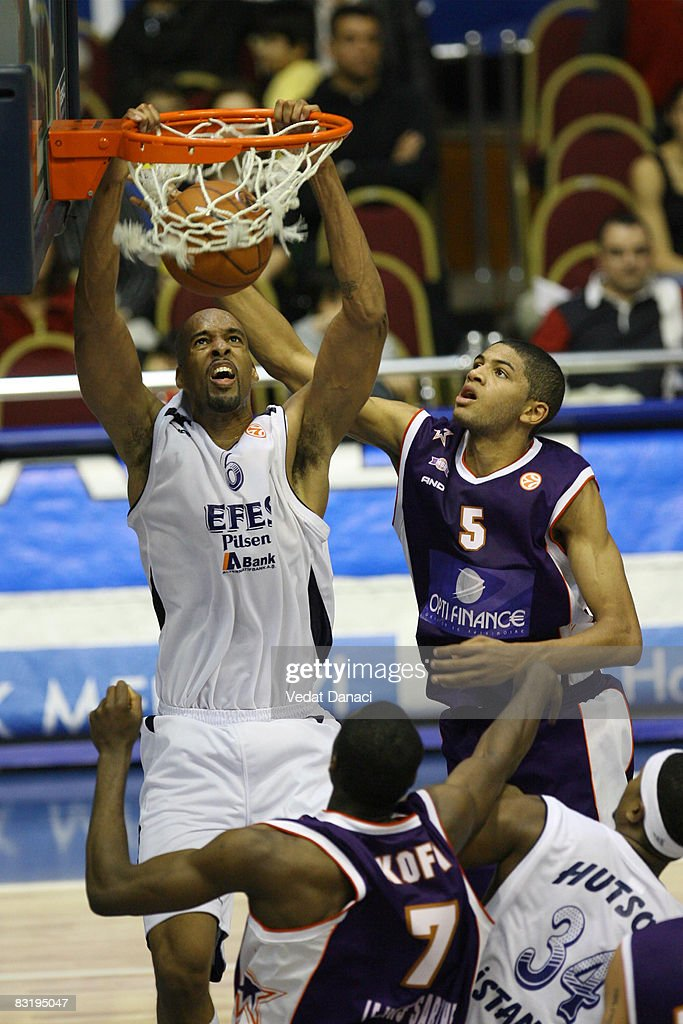 Euroleague Basketball - Game 4 - Efes Pilsen Istanbul v Le Mans Sarth