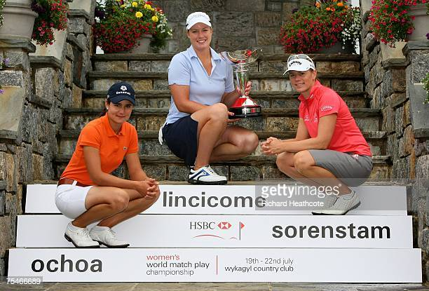 Lorena Ochoa of Mexico defending champion Brittany Lincicome of the USA and Annika Sorenstam of Sweden pose with the trophy to launch this years HSBC...