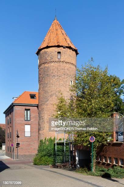 lorenkenturm, medieval town fortification, duelmen, muensterland, north rhine-westphalia, germany - dülmen town stock pictures, royalty-free photos & images