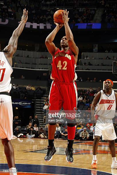 Lorenzen Wright of the Atlanta Hawks takes a jump shot against the Charlotte Bobcats on January 20 2007 at Charlotte Bobcats Arena in Charlotte North...