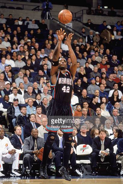 Lorenzen Wright of the Memphis Grizzlies shoots a jump shot against the Golden State Warriors during the game on January 12 2004 at the Arena in...
