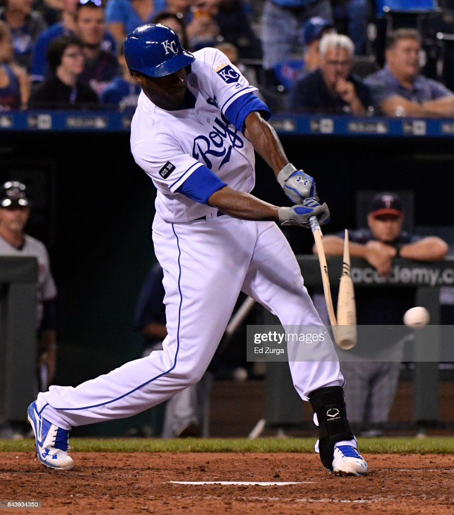 Lorenzo Cain #6 of the Kansas City Royals breaks his bat as he grounds out in the fifth inning against the Minnesota Twins at Kauffman Stadium on September 7, 2017 in Kansas City, Missouri.