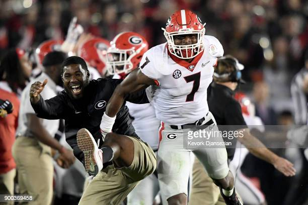 Lorenzo Carter of the Georgia Bulldogs celebrates after blocking the field goal attempt from Austin Seibert of the Oklahoma Sooners in the 2018...