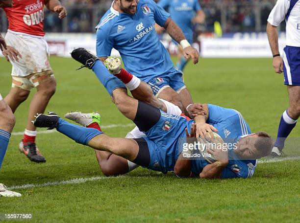 Lorenzo Cittadini of Italy scores a first try during the international test match between Italy and Tonga at Mario Rigamonti Stadium on November 10...