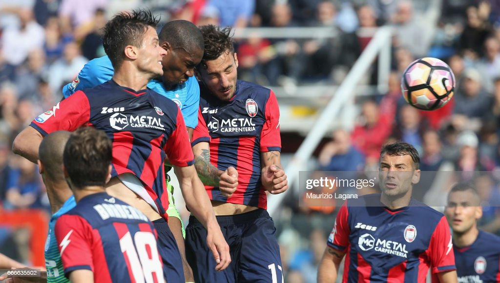 Lorenzo Crisetig (L) of Crotone competes for the ball with Geoffrey Kondogbia of Inter during the Serie A match between FC Crotone and FC Internazionale at Stadio Comunale Ezio Scida on April 9, 2017 in Crotone, Italy.