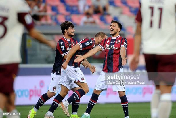 Lorenzo De Silvestri celebrates after scoring a goal during the Serie A match between Bologna FC v US Salernitana at Stadio Renato Dall'Ara on August...
