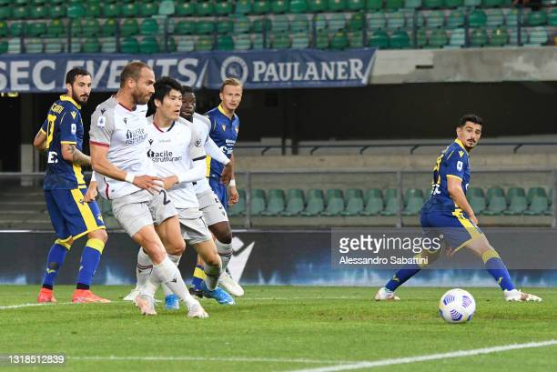 Lorenzo De Silvestri of Bologna FC scores his team's first goal during the Serie A match between Hellas Verona FC and Bologna FC at Stadio...