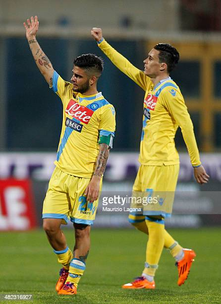 Lorenzo Insigne and Jode' Callejon of Napoli salutes after the Serie A match between Calcio Catania and SSC Napoli at Stadio Angelo Massimino on...
