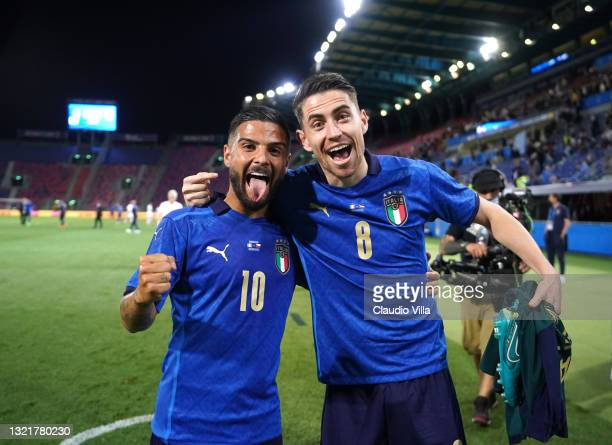 Lorenzo Insigne and Jorginho of Italy celebrate at the end of the international friendly match between Italy and Czech Republic at on June 04, 2021...