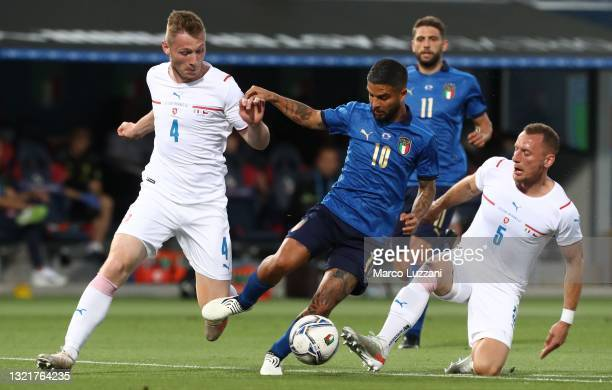 Lorenzo Insigne of Italy competes for the ball with Jakub Brabec and Vladimir Coufal of Czech Republic during the international friendly match...