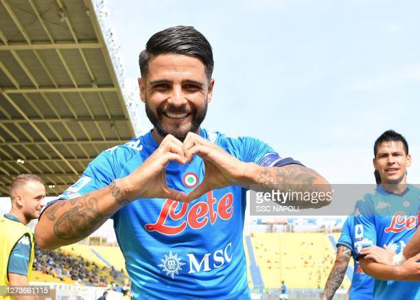Lorenzo Insigne of Napoli celebrates after scoring the first goal of Napoli during the Serie A match between Parma Calcio and SSC Napoli at Stadio...