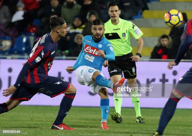 Lorenzo Insigne of Napoli during the serie A match between FC Crotone and SSC Napoli at Stadio Comunale Ezio Scida on December 29 2017 in Crotone...