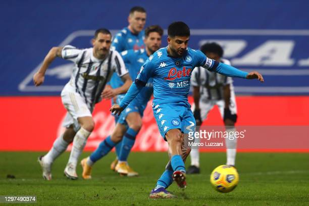 Lorenzo Insigne of Napoli misses a penalty during the Italian PS5 Supercup match between Juventus and SSC Napoli at Mapei Stadium - Citta' del...
