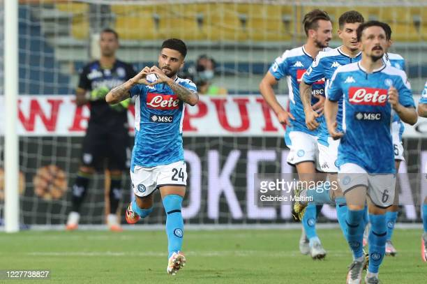 Lorenzo Insigne of SSC Napoli celebrates after scoring a goal during the Serie A match between Parma Calcio and SSC Napoli at Stadio Ennio Tardini on...